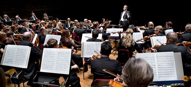 The Royal Philharmonics conducted by Sakari Oramo. Photo.