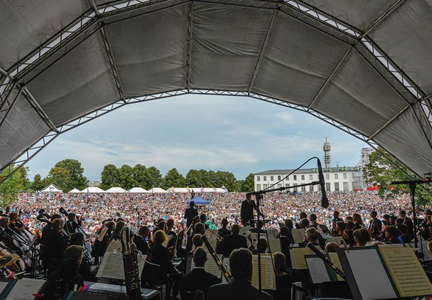 Picture taken from the outdoor stage of Gärdet. Looking out over the crowd. Photo.